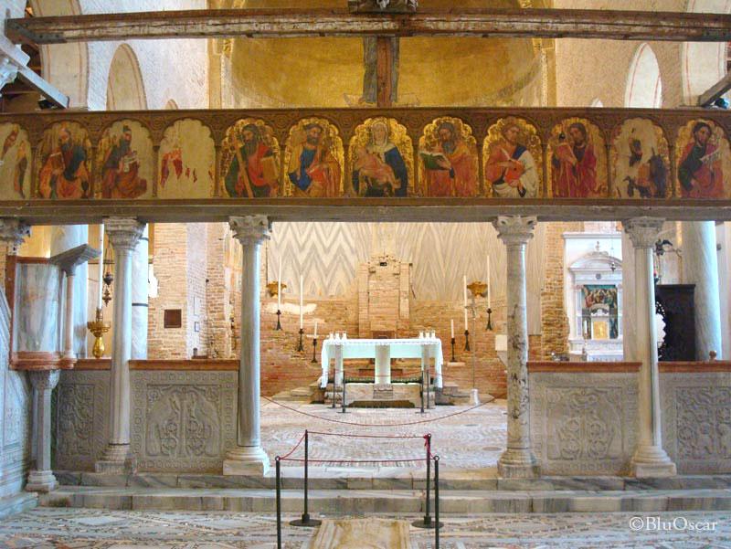 Basilica cristiana interno presbiterio